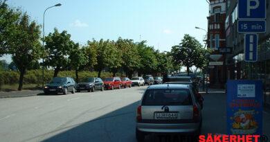 Räknas parkeringsplats som väg?